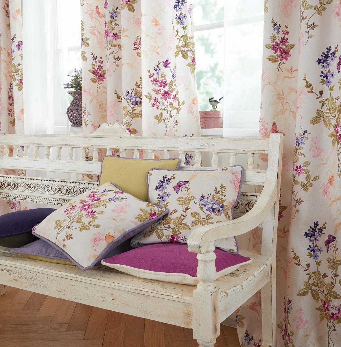 saum viebahn modern 2016 mantis cz. Black Bedroom Furniture Sets. Home Design Ideas